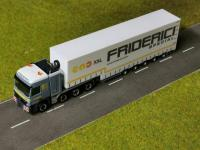 #41 MB Actros MP2 Titan Volumensattelzug